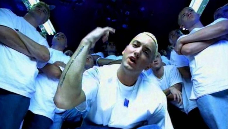 "фото из клипа ""The Real Slim Shady"""
