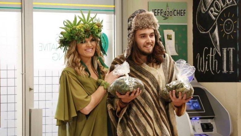 Смотреть все комедии про марихуану конопля где найти