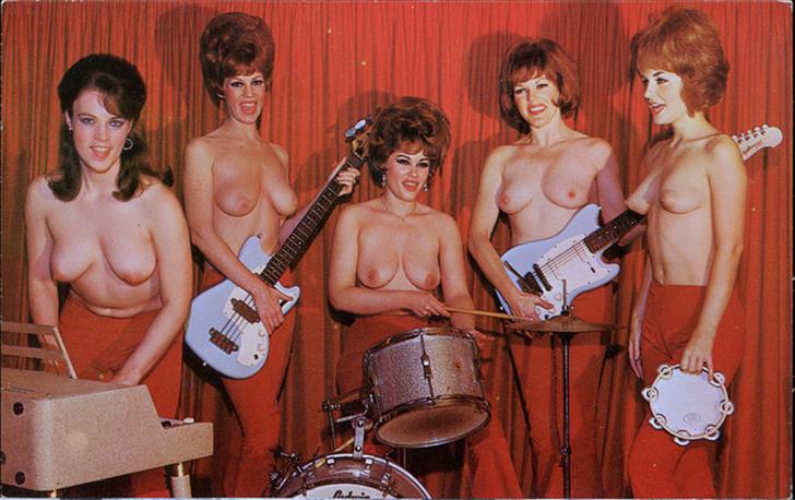 vintage-musician-female-nude-tit